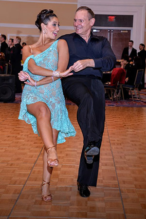 After minimally invasive hip replacement, the bachata was no match for Dan Lawson and his dance partner, Kellie.