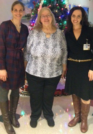 Donna (middle) with Dr. Liz Levinson (left) and Dafna Chazin, RD (right)