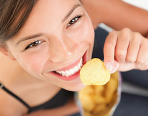 Learn How to Snack Your Way to Weight Loss - Virtua Article
