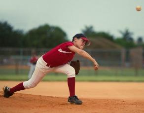 Could Your Young Ballplayer Have Little League Elbow? - Virtua Article